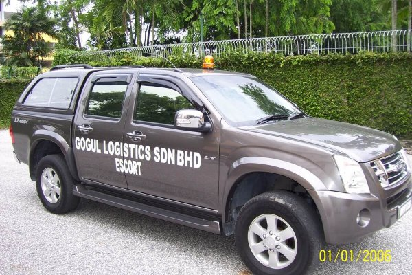4×4 Escort Truck